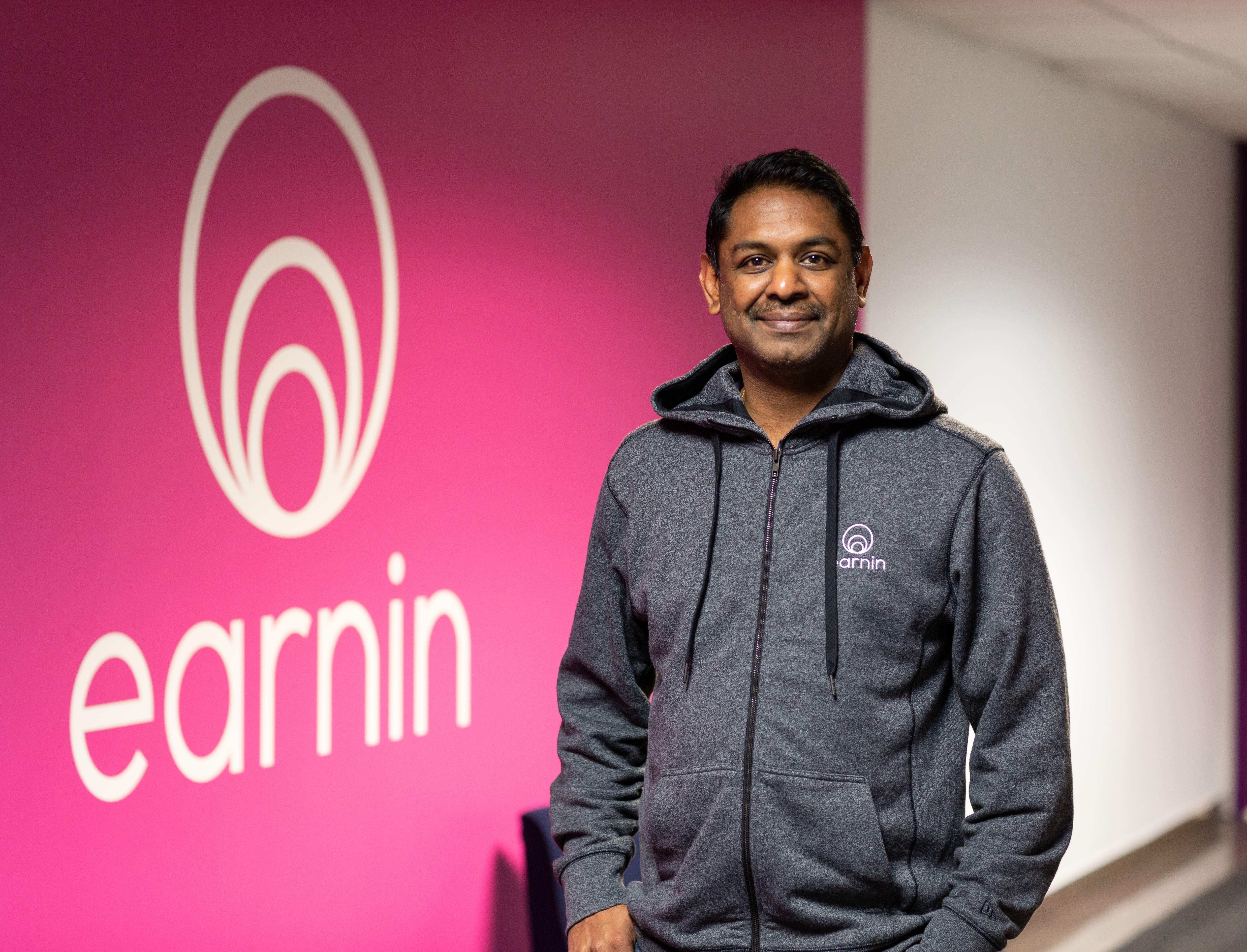 Earnin raises $125M to help workers track and cash out wages in real