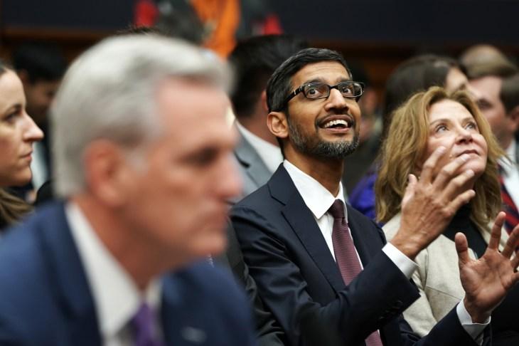 El CEO de Google, Sundar Pichai, testifica ante el Comité Judicial de la Cámara