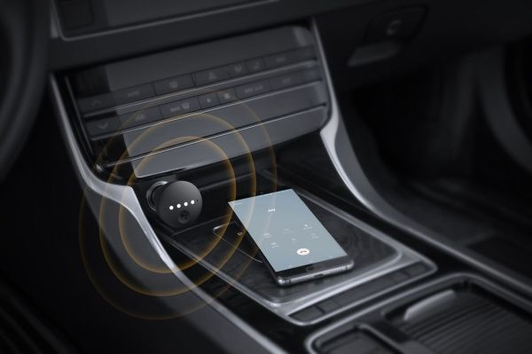 QnA VBage The Anker Roav Bolt lets drivers plug Google Assistant into their car