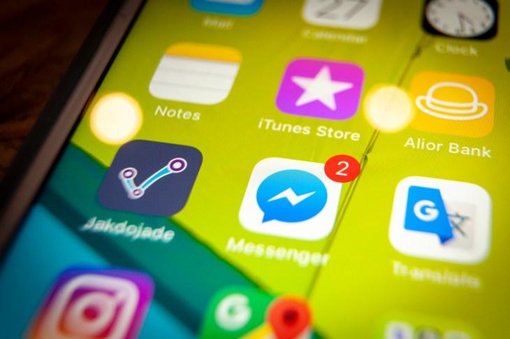 Portable device social media illustration