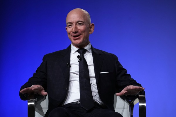 Daily Crunch: Jeff Bezos will step down as Amazon CEO