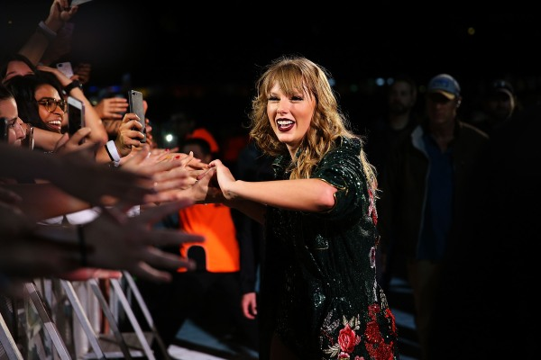 Taylor Swift's Mobile App, the Swift Life, is the Latest Celebrity App to Shutter