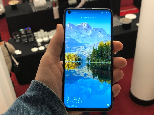 QnA VBage Huawei Honor's smartphone with a hole-punch display is real