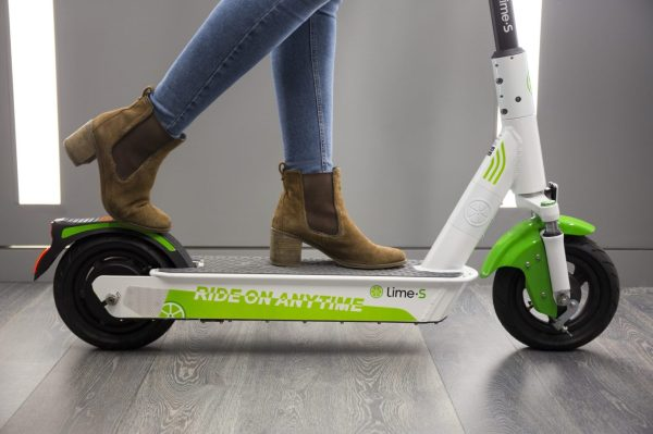 photo of Lime halts scooter service in Switzerland after possible software glitch throws users off mid-ride image