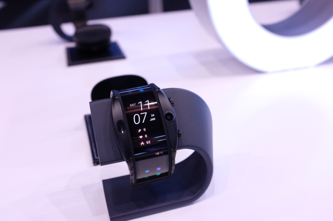 Nubia's 'wearable smartphone' might be the next step for flexible displays