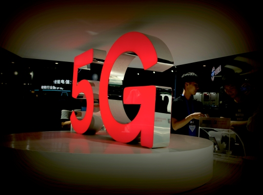 Techmeme: Researchers find new flaws in 4G and 5G letting