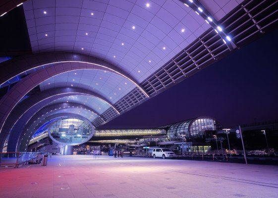 Dubai airport in instant halts flights after drone spotted