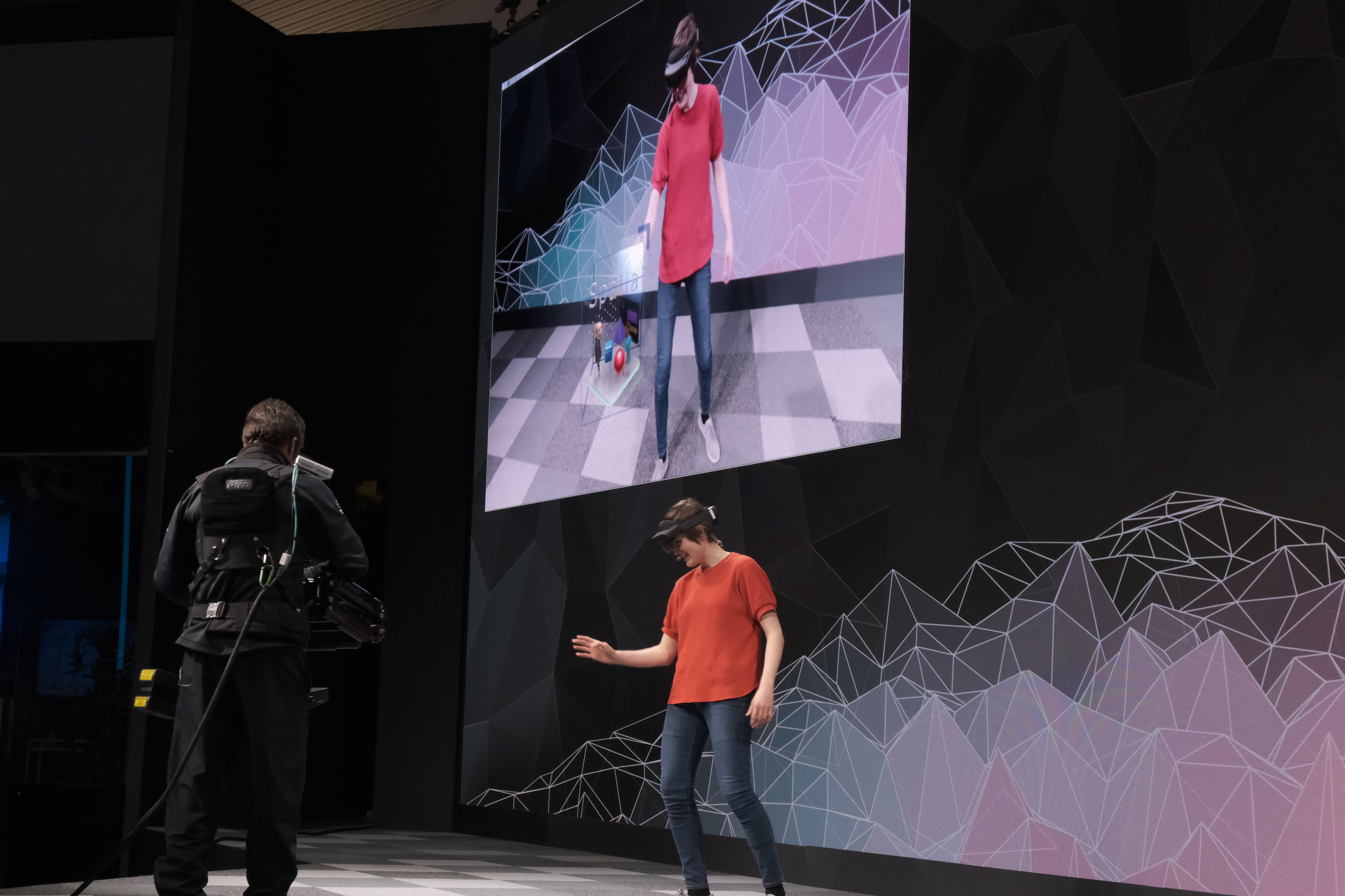 Say hello to Microsoft's new $3,500 HoloLens with twice the field of view Say hello to Microsoft's new $3,500 HoloLens with twice the field of view Microsoft MWC0083HOLOLENS 2