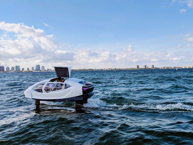 SeaBubbles shows off its 'flying' all-electric boat in Miami SeaBubbles 3