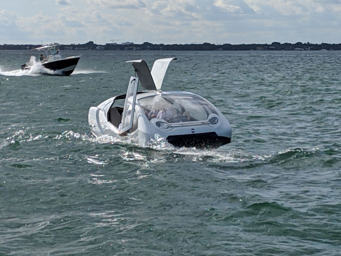 SeaBubbles shows off its 'flying' all-electric boat in Miami SeaBubbles 5