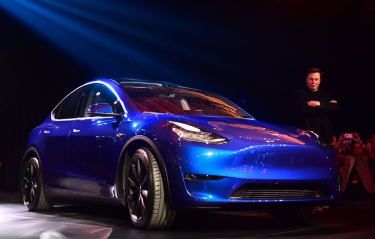 The Tesla Model Y is a 300-mile-range Model 3 doppelgänger