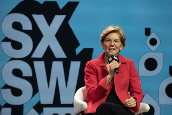 Elizabeth Warren also wants to break up Apple