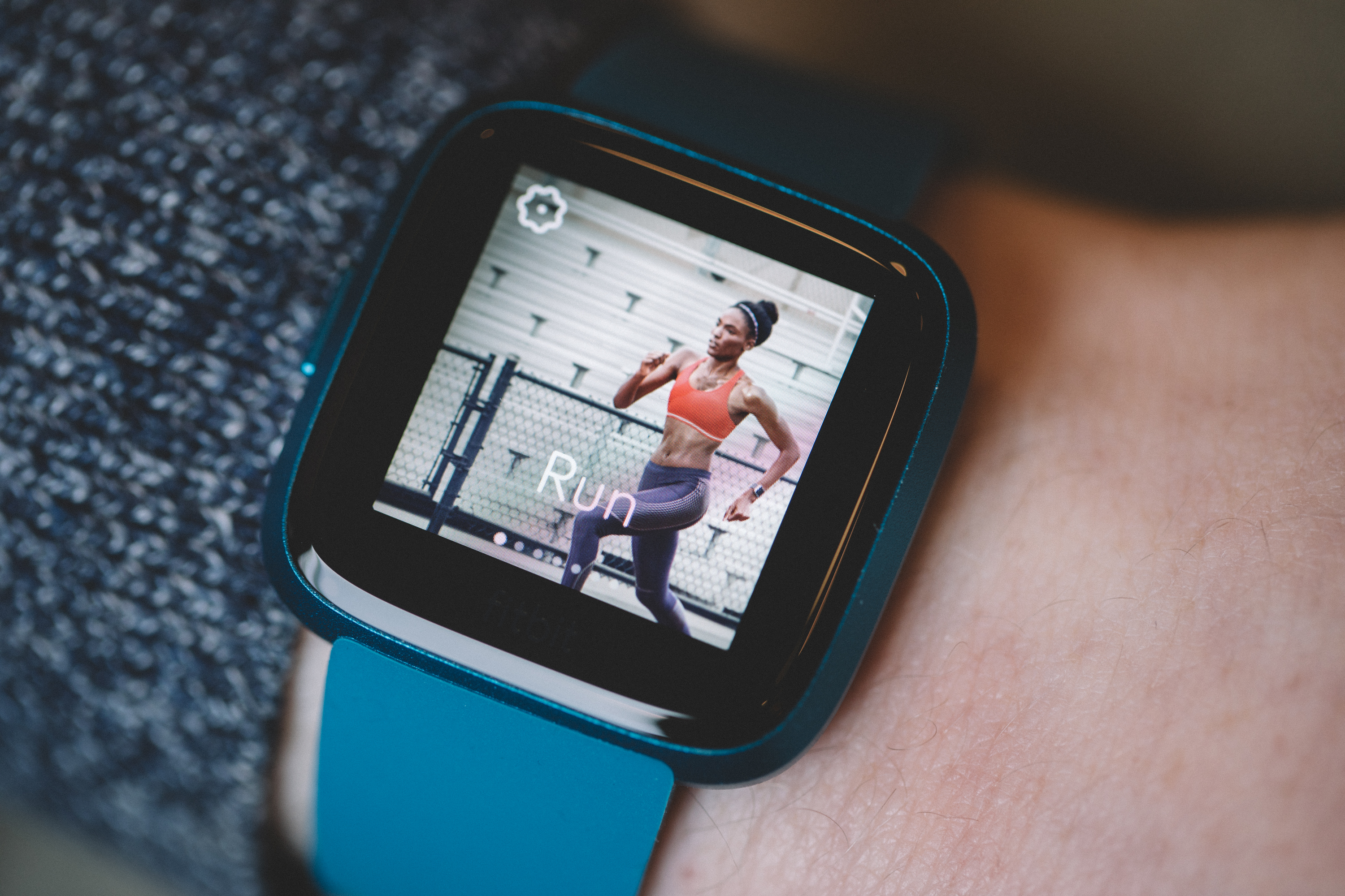 Fitbit Versa Lite review - Internet & Technology News
