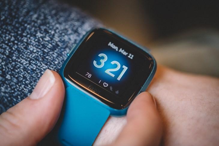 Fitbit Versa Lite review | TechCrunch