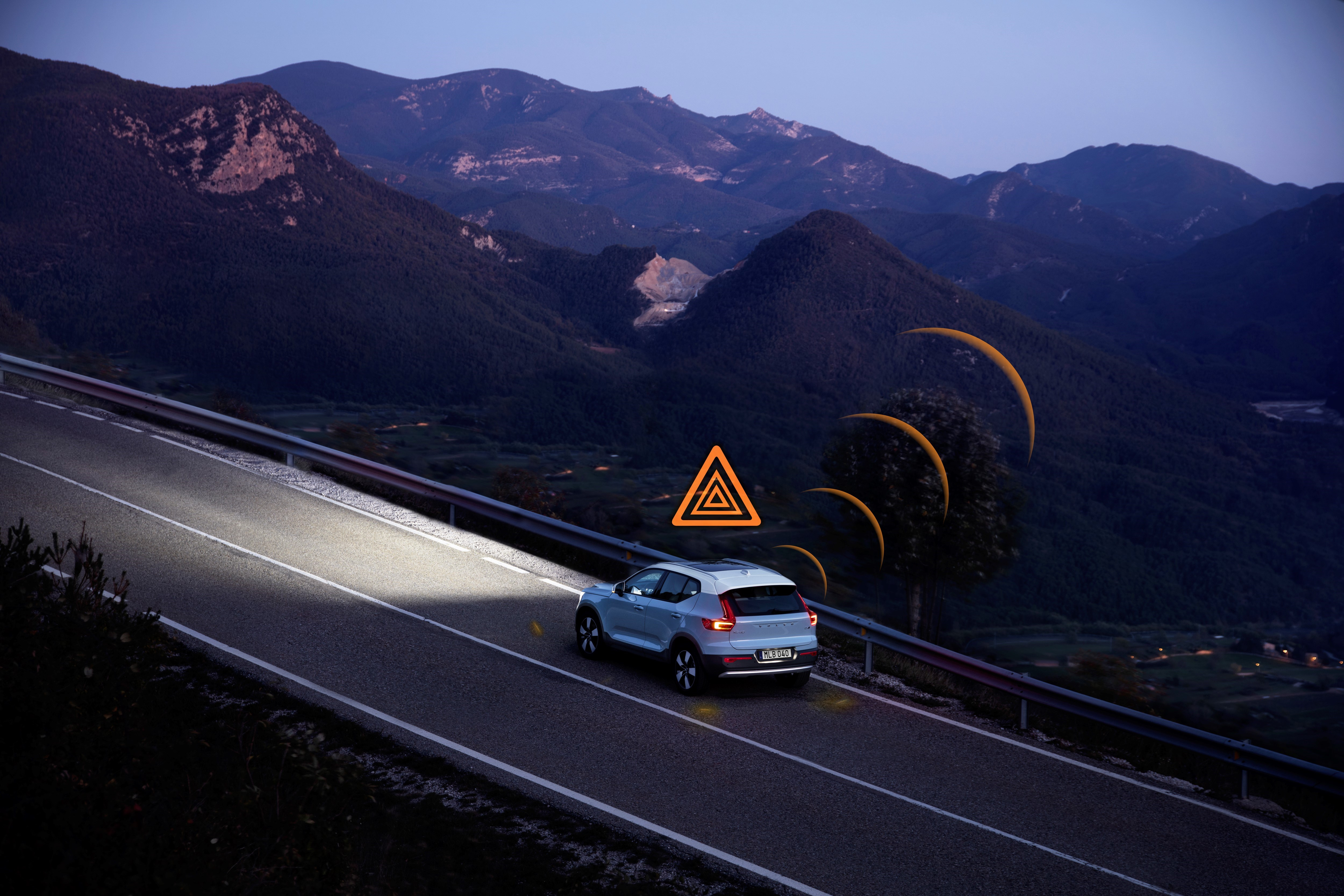 Volvo cars in Europe will be able to warn each other about hazardous