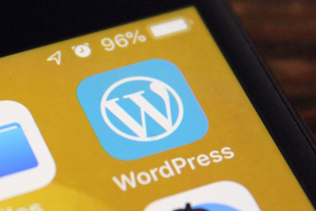 WordPress says iOS app bug exposed account tokens to third-parties