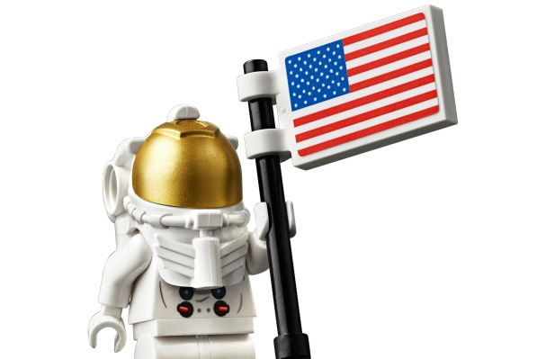 LEGO celebrates Apollo 11 with a lovely, bricky Lunar Lander