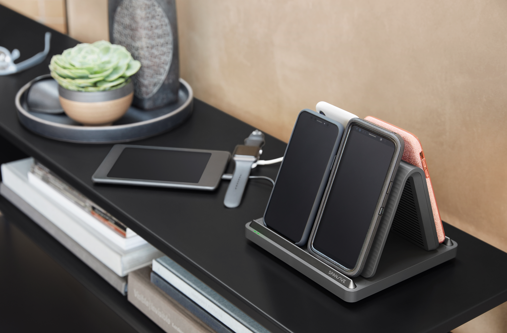 techcrunch.com - Greg Kumparak - Spansive's first wireless charger powers multiple phones simultaneously and works through thick cases