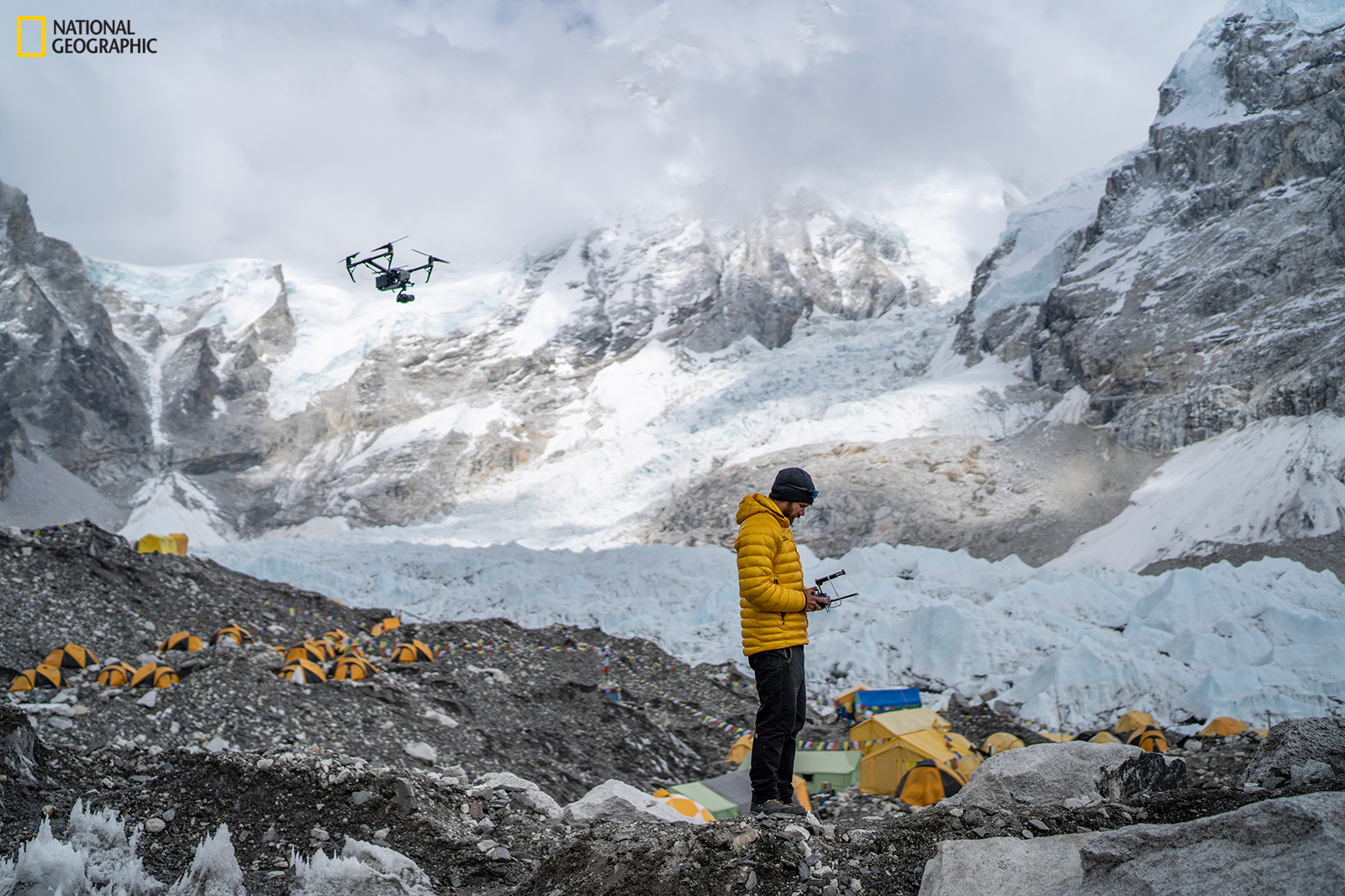 Expedition installs highest weather stations on Earth atop