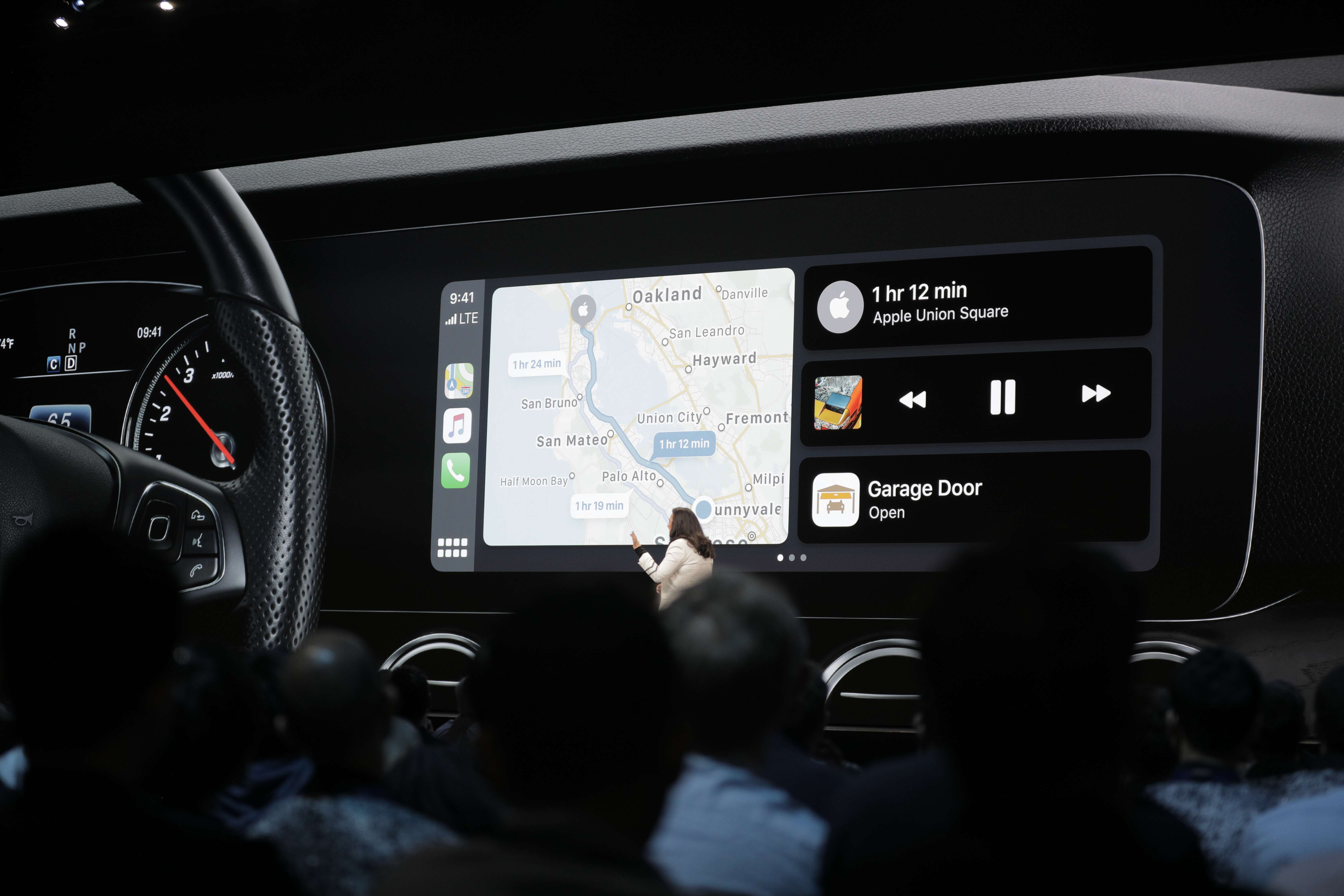 Apple updates CarPlay with new home screen and Siri Suggestions