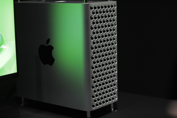 A closer look at Apple's reinvented Mac Pro | True Viral News