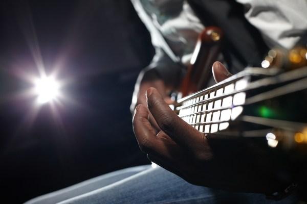 Google จะเริ่มนำเพลงมาประกอบในผลการค้นหากับผู้ให้บริการบุคคลที่สาม thumbnail