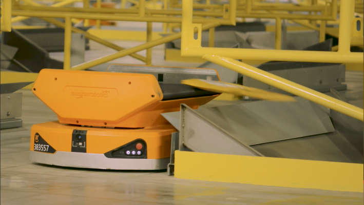 Amazon debuts a pair of new warehouse robots