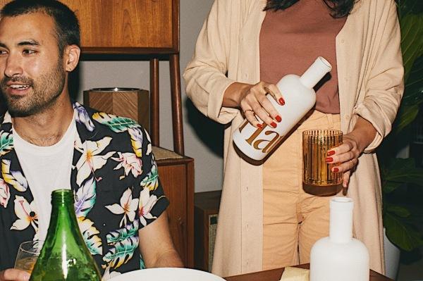 คนนับพันไม่ต้องการเมา พวกเขาต้องการอะไร? เครื่องดื่มเรียกน้ำย่อย thumbnail