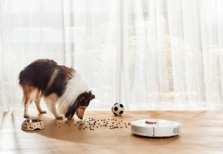 This robot vacuum has laser vision