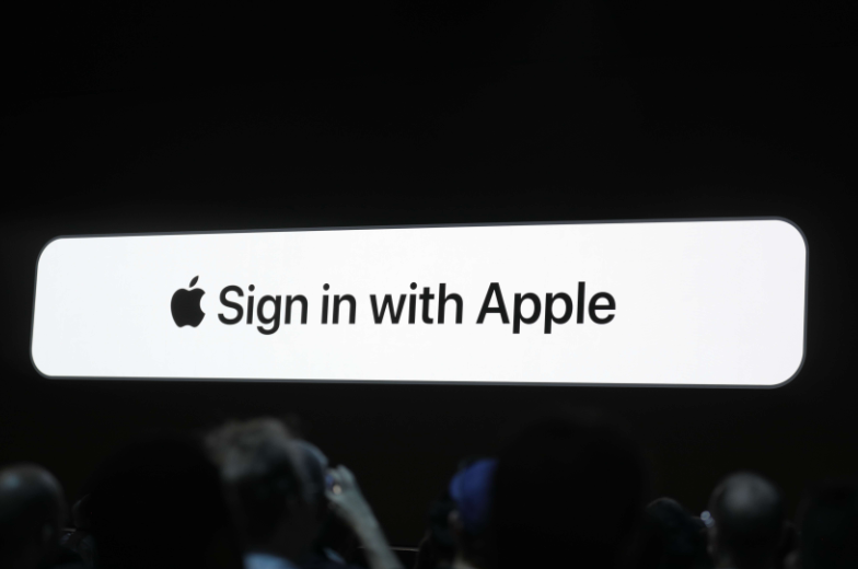 Apple announces iOS 13 with dark mode, updated Apple apps and