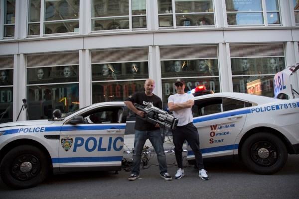 Рекламный трюк Warframe доставляет игровой пистолет на реальные улицы Нью-Йорка
