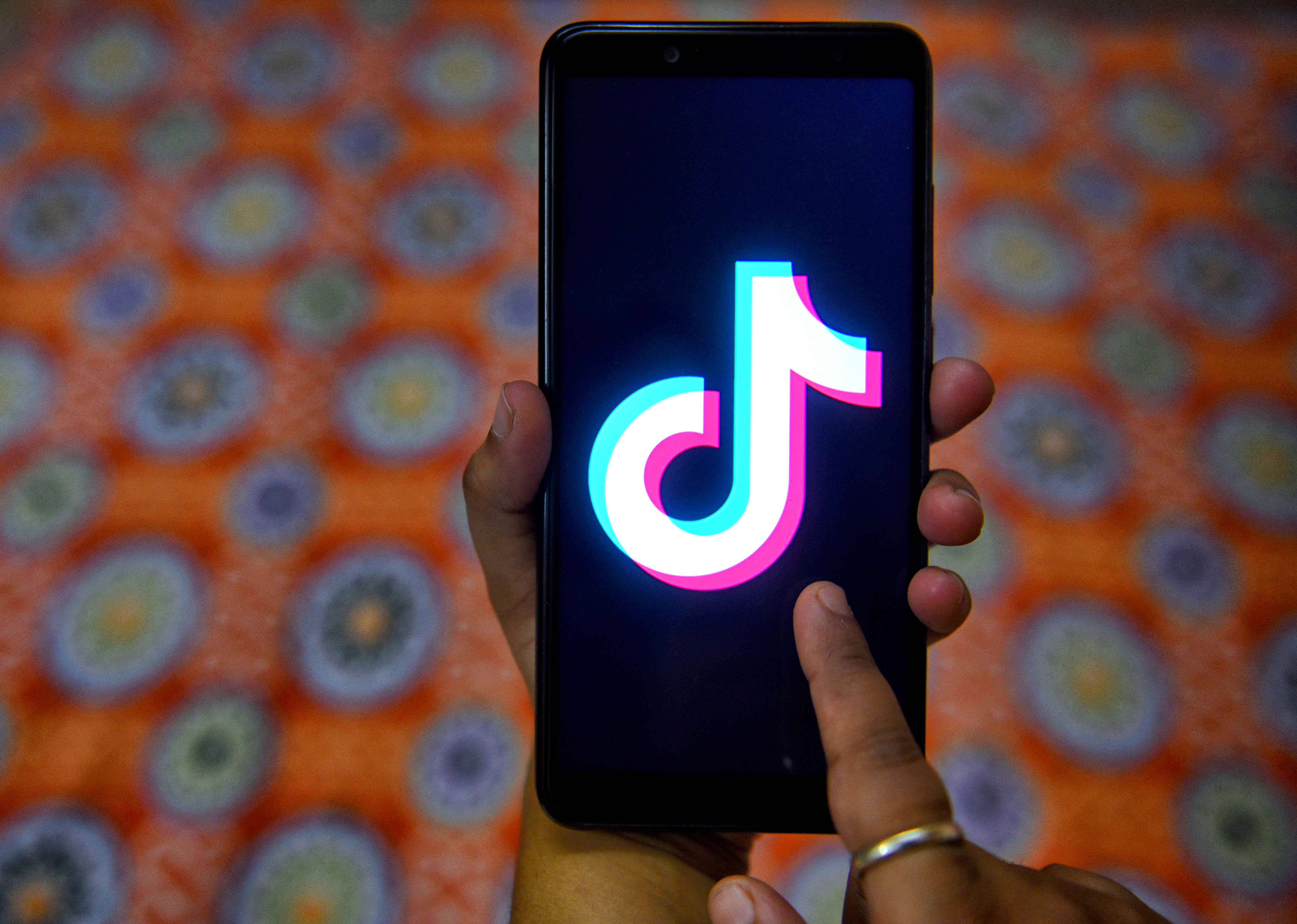 TikTok adds Giphy integration to import Stickers and export