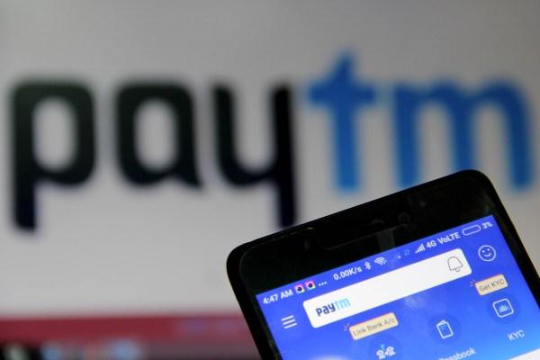 EBay picks 5.5% stake in India's Paytm Mall