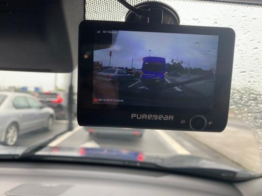 ระบบรักษาความปลอดภัยของรถยนต์ที่เชื่อมต่อ PureCam นั้นเป็นกล้องที่มีความพิเศษ thumbnail