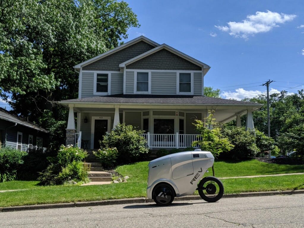 Refraction autonomous delivery robot