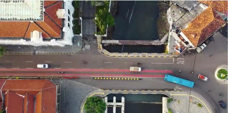 Inrix расширяет свою цифровую книгу правил за пределы самоуправляемых автомобилей, чтобы помочь городам с скутерами, велосипедами и доставочными роботами