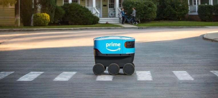 หุ่นยนต์จัดส่งแบบอิสระของ Amazon Scout เริ่มส่งมอบในแคลิฟอร์เนีย thumbnail