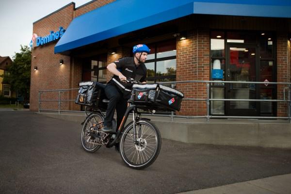 Domino เปิดตัว e-bike delivery เพื่อแข่งขันกับ UberEats, DoorDash thumbnail