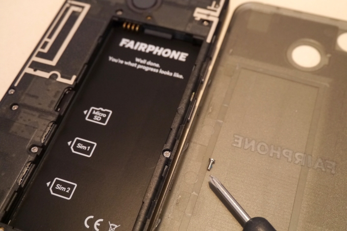 Fairphone screw 1