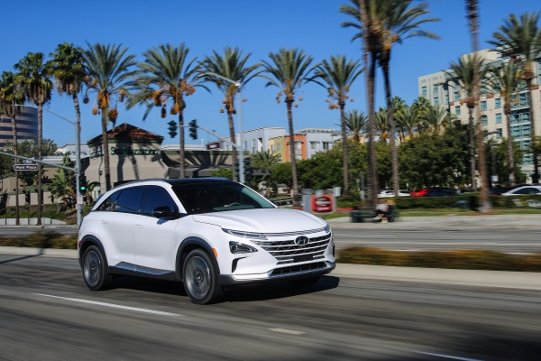 Hyundai's fuel cell SUV just scored a top safety rating from IIHS – TechCrunch 1