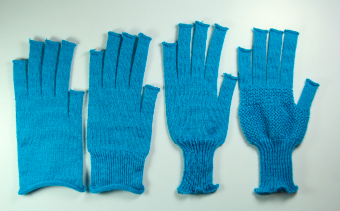 MIT knitting gloves2