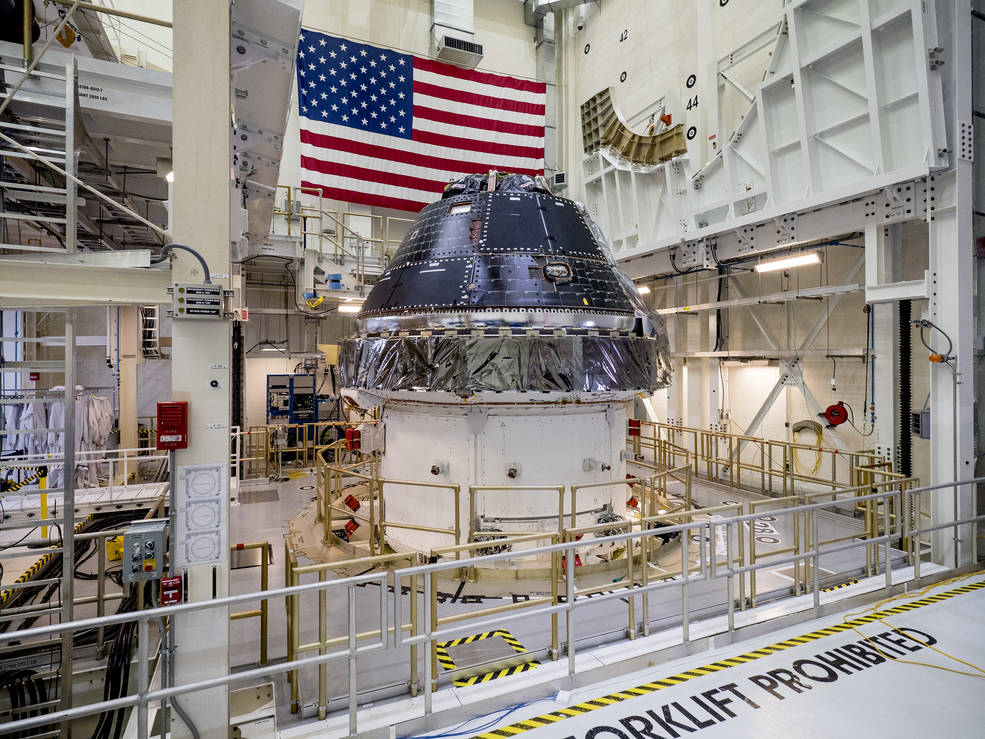NASA Hires Lockheed Martin to Build up to 12 Orion Spacecraft