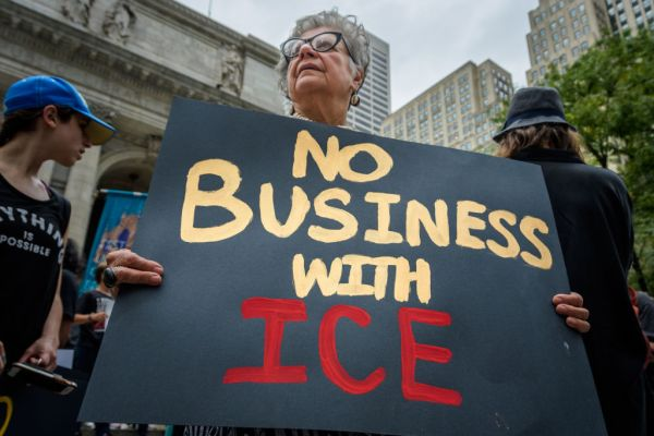 Chef CEO does an about face, says company will not renew ICE contract