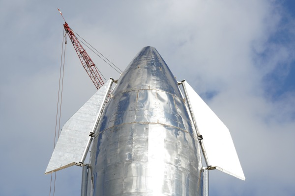 Tech News - Elon Musk says Starship SN8 prototype will have a nosecone and attempt a 60,000-foot return flight thumbnail