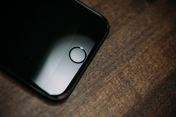 Comment on Apple could add in-screen fingerprint reader to 2020 iPhone by keesin ng