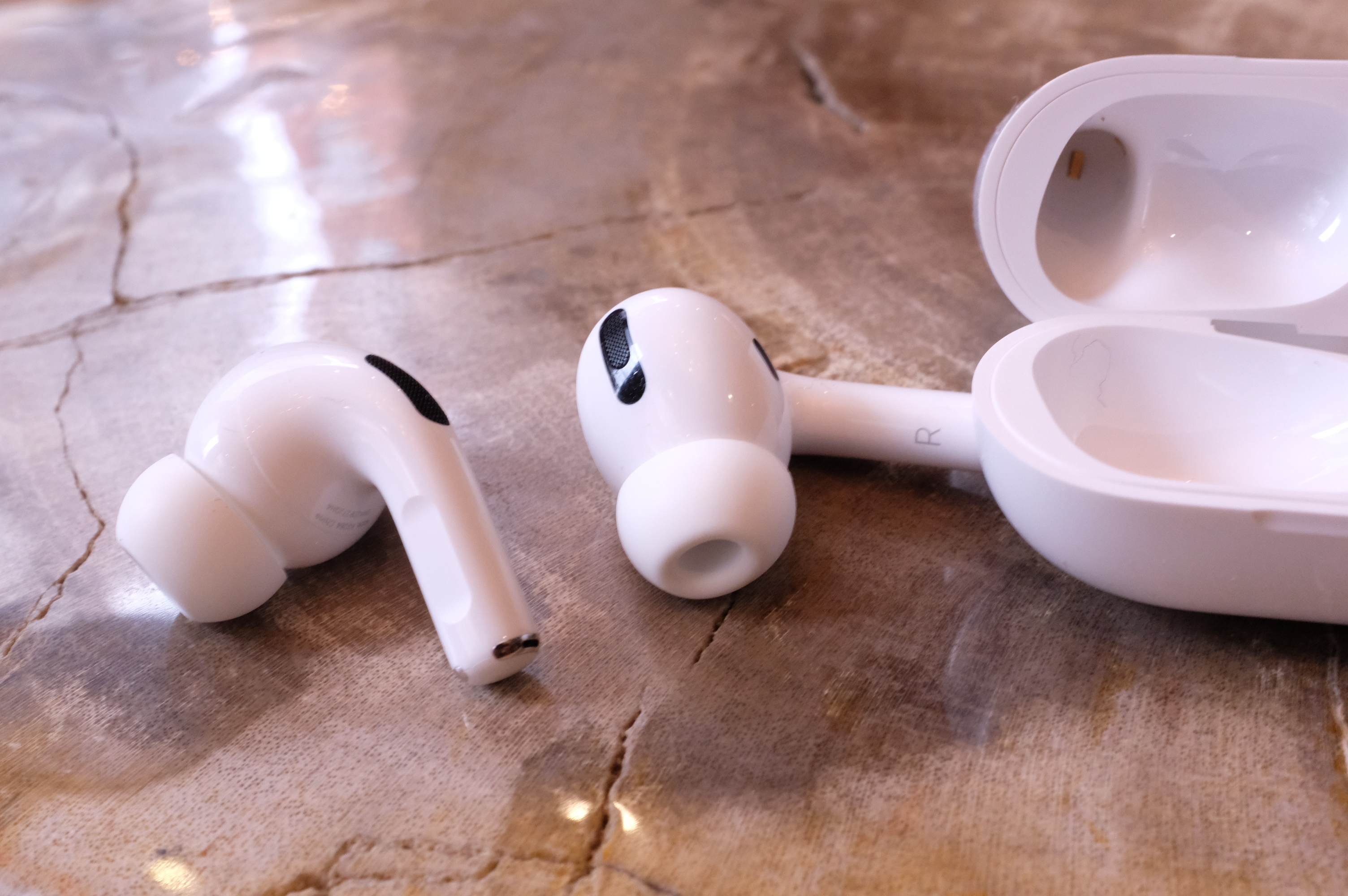 Apple to replace defective AirPods Pro for free