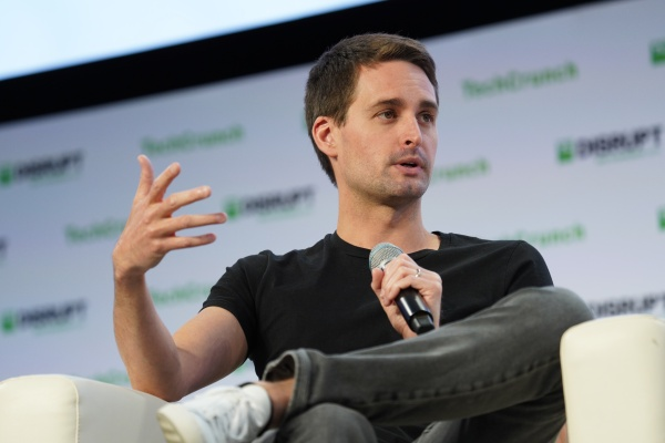 Snap says iOS privacy changes hit its ad business harder than expected – TechCrunch
