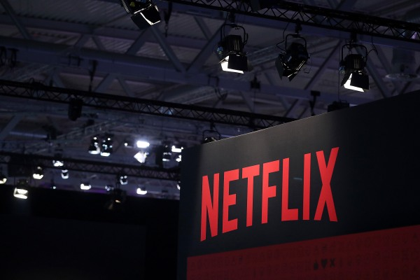 Why Netflix shares are down 10% thumbnail