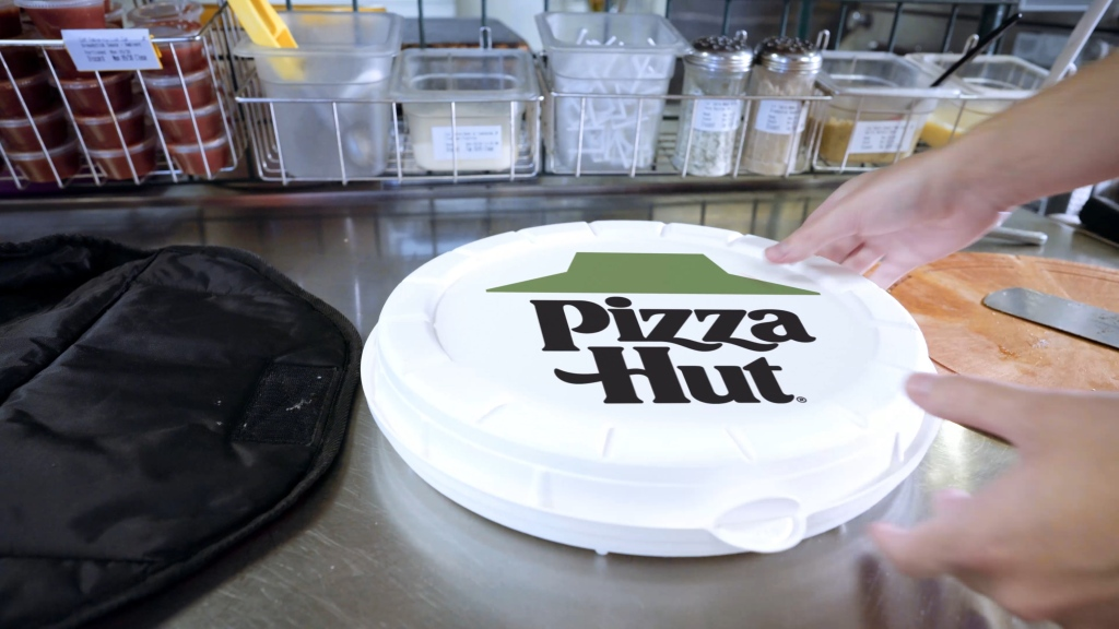 Pizza Hut Is Testing Zume S Compostable Round Boxes Techcrunch