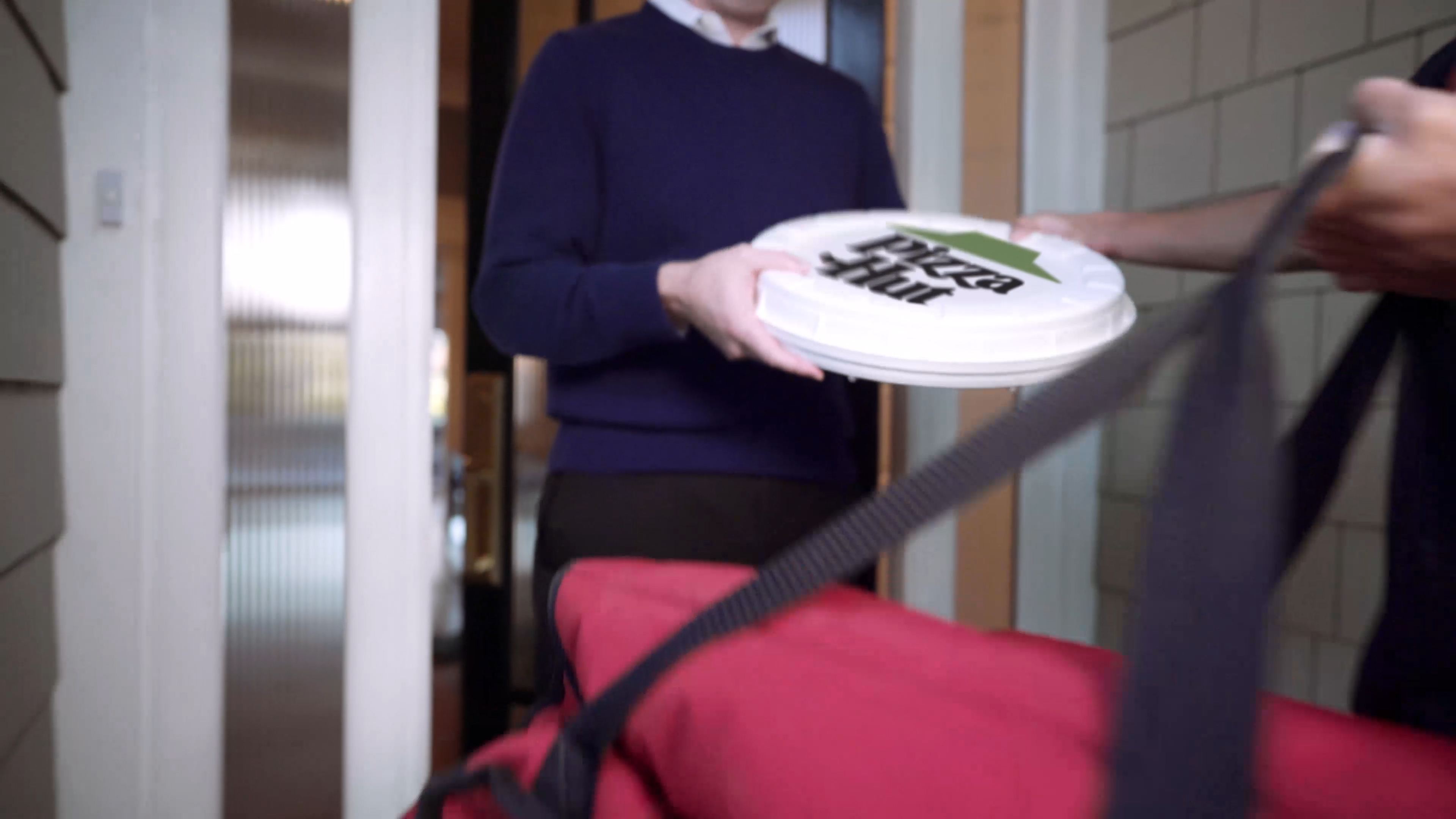 Pizza Hut Is Testing Zume S Compostable Round Boxes Internet Technology News